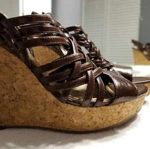 Enzo Angiolini brown woven strappy wedge size 7